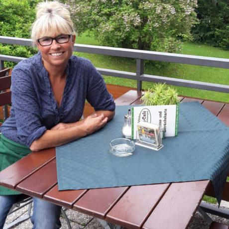Birgit Knott freut sich auf Ihren Besuch